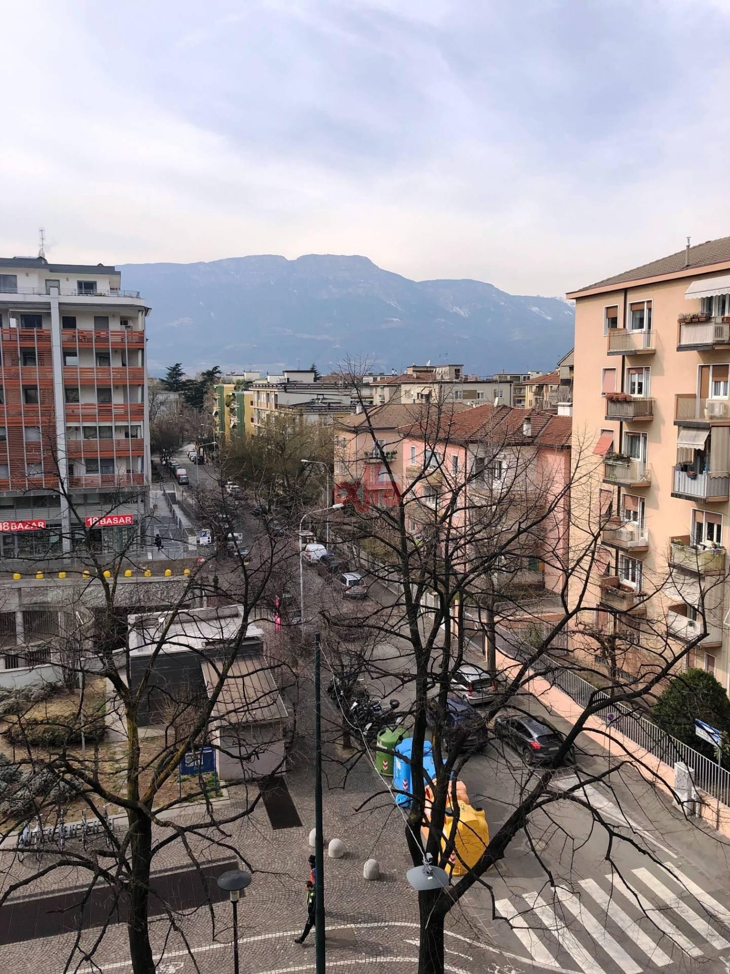 Bolzano - Bozen - Via Roma